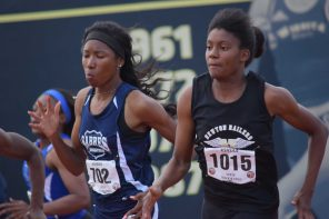 Simmons blazes a path to the 200 title