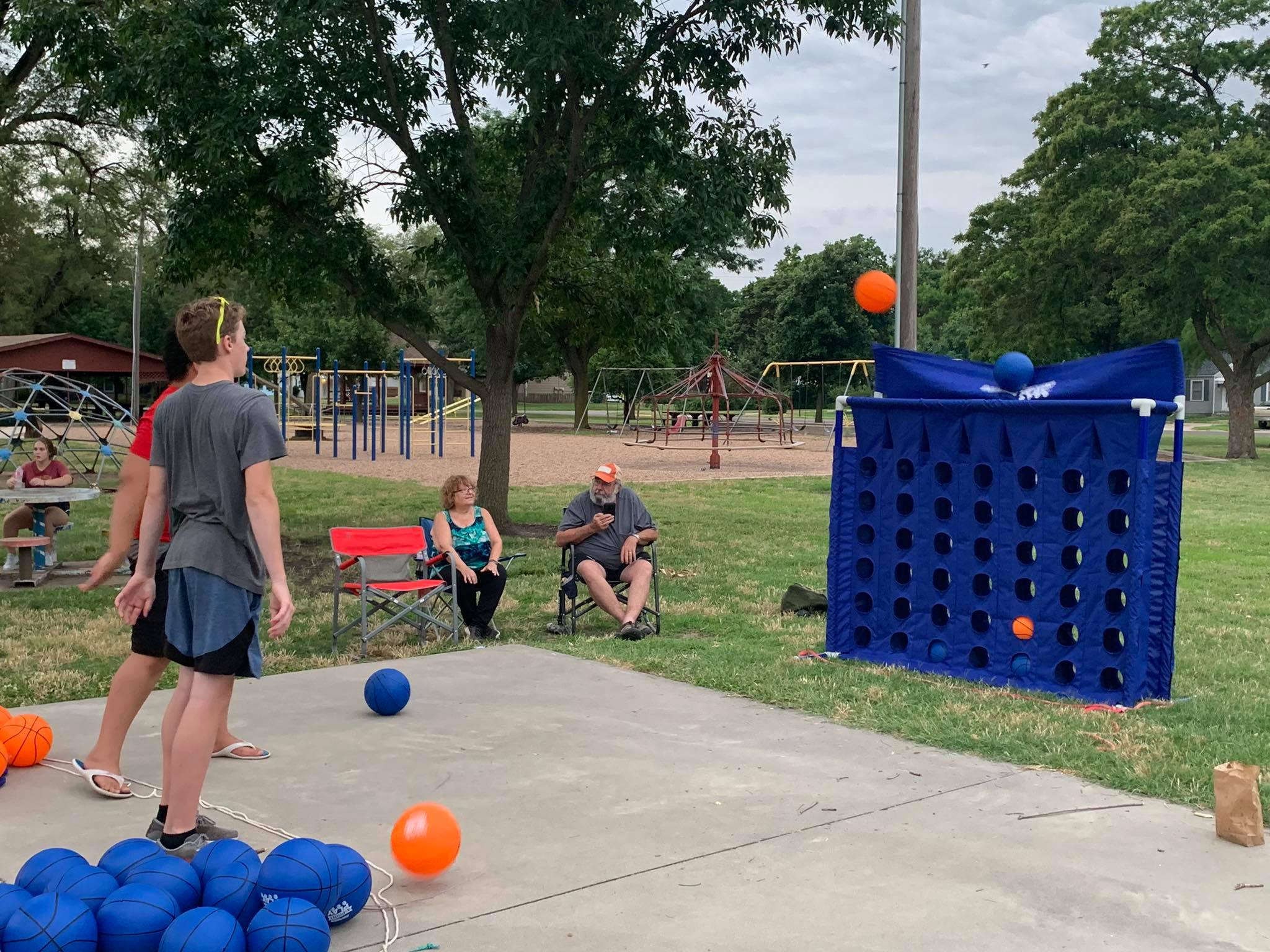 Sedgwick community enjoys Father's Day together at the park