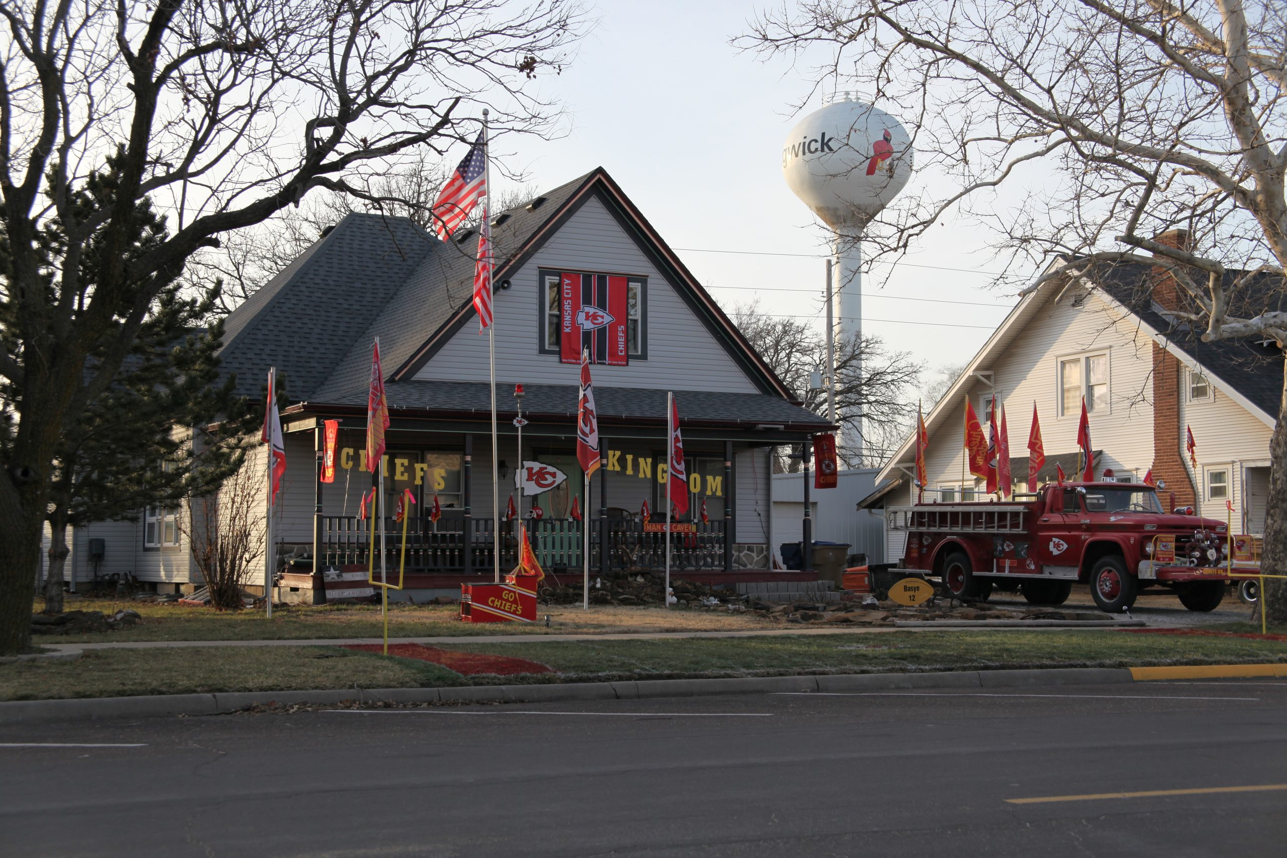 Sedgwick yard shows off passion for Chiefs