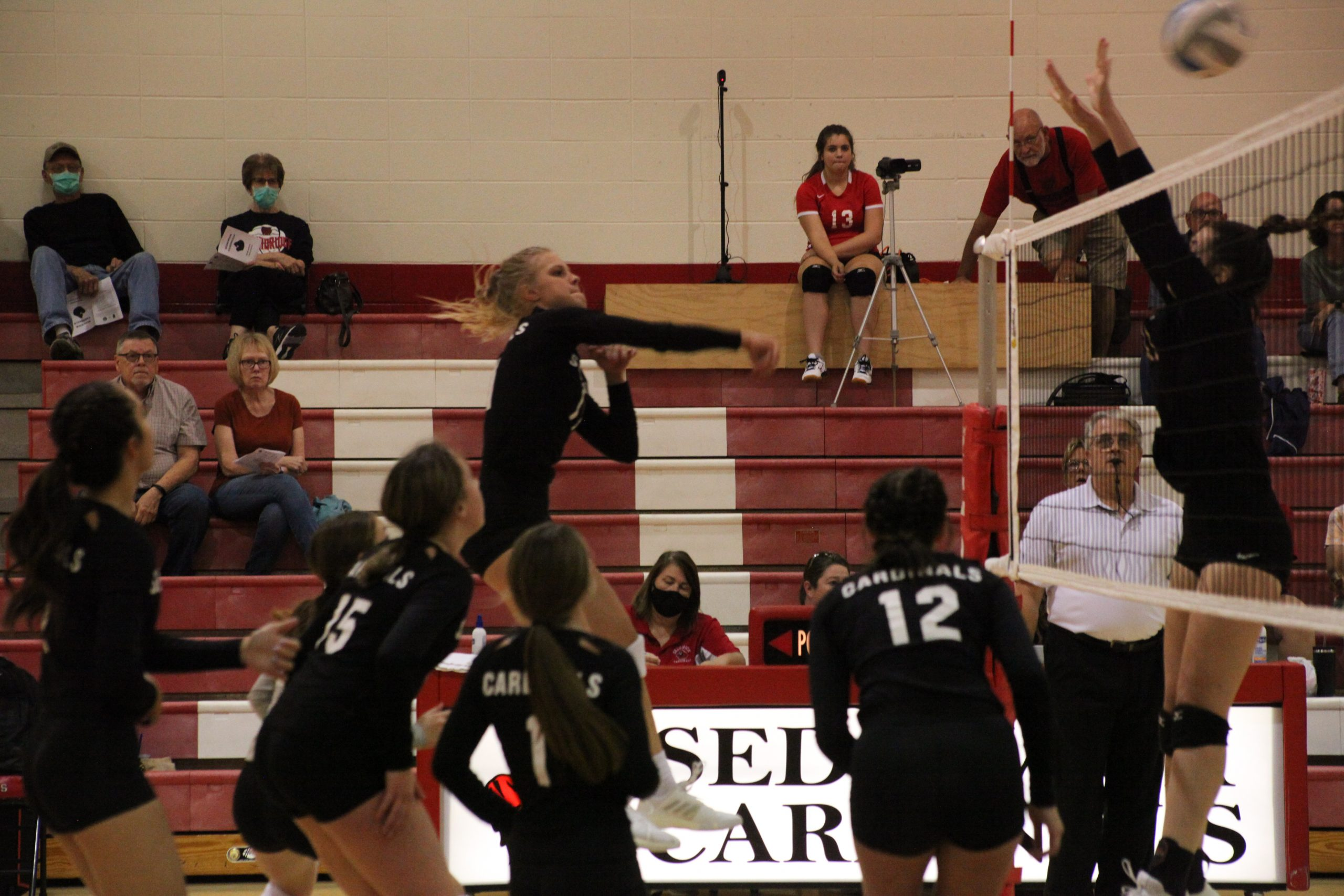 Sedgwick easily handles Moundridge in opening home matches